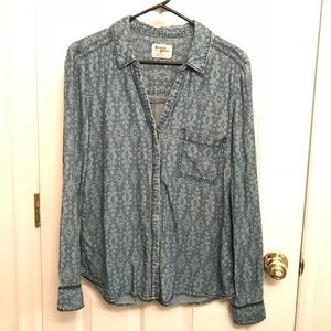 Holding Horses Anthropologie printed chambray top